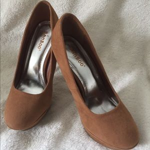 Ladies heels bamboo size 8.5